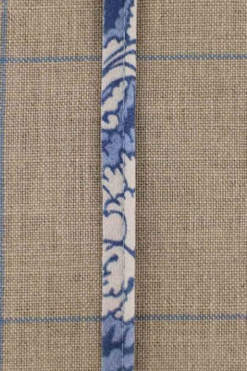 2mm cord cotton piping with Sajou Damas blue main fabric