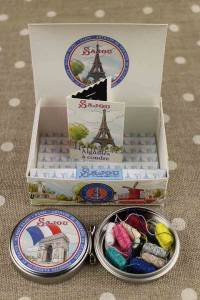 Sajou gift box with mini needles and sewing thread