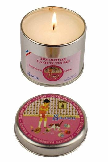 Sajou Quilter's honey scented candle round tin open