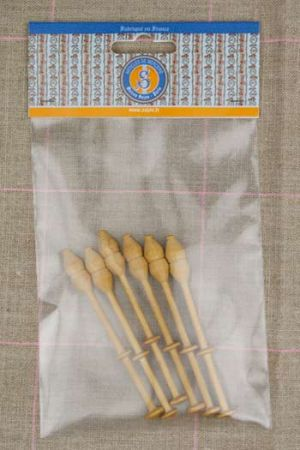 Lacemaking bobbins by six